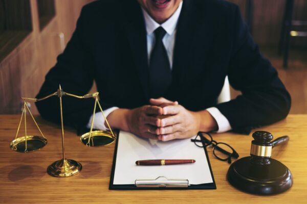 Lawyer-advice-e1588612837953