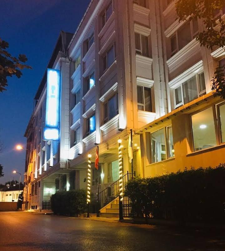 فندق للبيع في تشابا-الفاتح