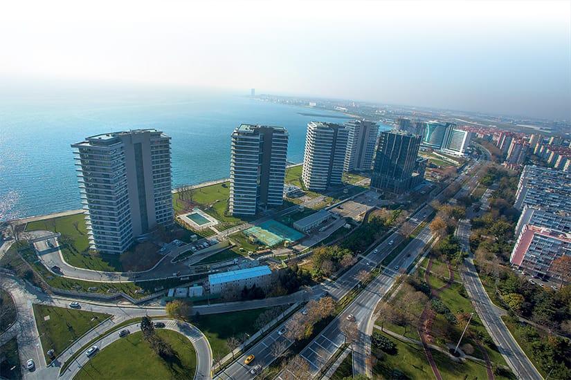 مشروع للاستثمار بجانب البحر تمامآ في أتاكوي….اسطنبول     (  كود المشروع    IC 17  )