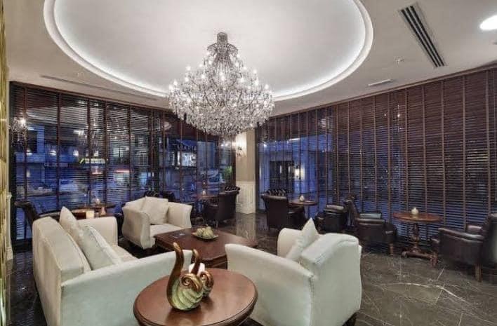 فندق للبيع في شيشلي