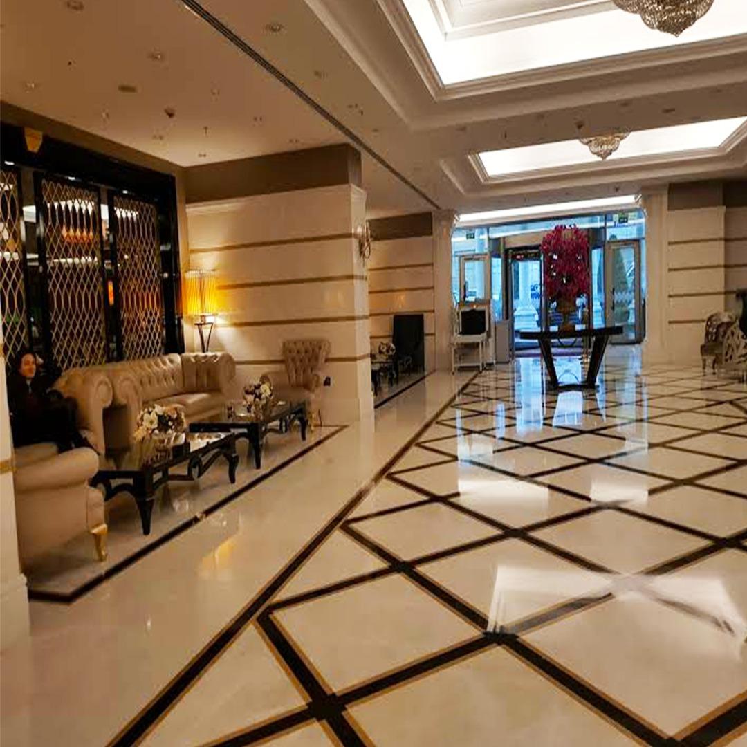 فندق للبيع في عثمان بيه