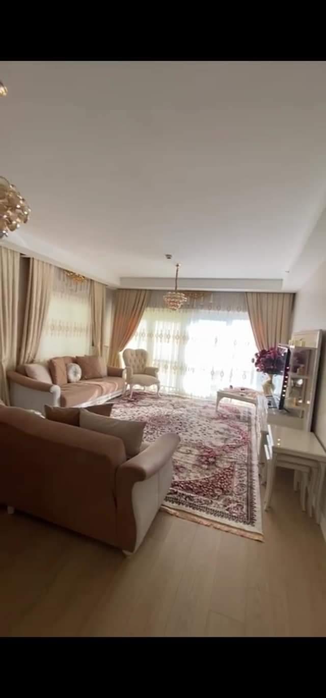 شقة 3 + 1 للبيع في اسطنبول …..باشاك شهير